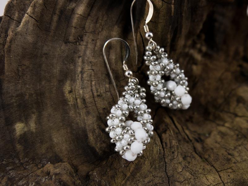 """""""Weiße Perle"""" Ohrringe"""